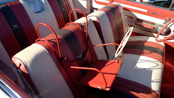 En France, l utilisation d un siège enfant en voiture n est devenue  obligatoire qu à partir de 1992, année où le port de la ceinture est  également rendue ... 629f6ee6d40